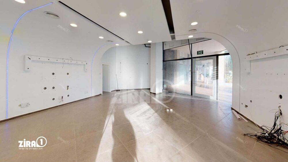 משרד בבניין בית שהם נתניה   קומה 0   שטח 200מ״ר    תמונה #0 - 1