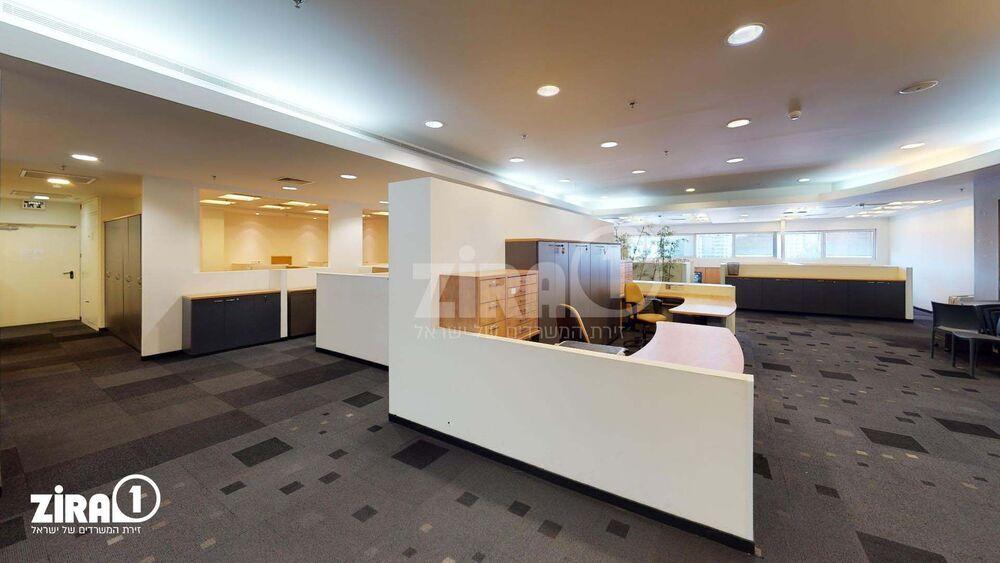 משרד בבניין בניין רם | קומה 4 | שטח 500מ״ר  | תמונה #0 - 1