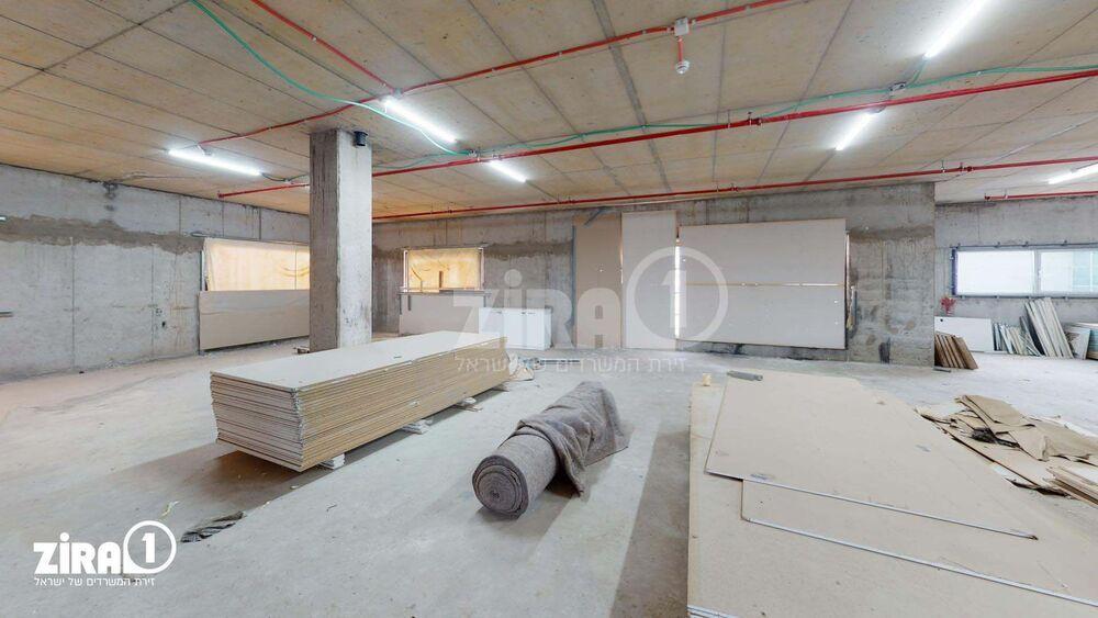 משרד בבניין בניין רם   קומה 5   שטח 550מ״ר    תמונה #0 - 1
