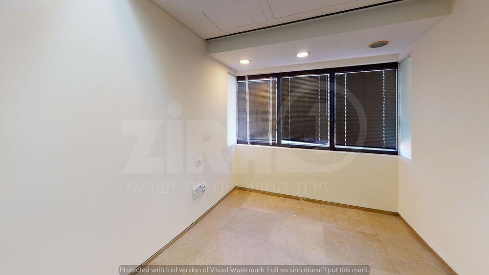 משרד בבניין מגדל נצבא    קומה 18   שטח 360מ״ר    תמונה #0 - 1