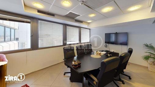 משרד בבניין מונטיפיורי 39 | קומה 3 | שטח 210מ״ר  | תמונה #13 - 1