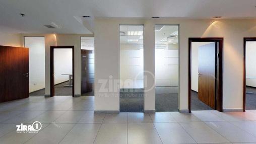 משרד בבניין מגדל משה אביב | קומה 46 | שטח 685מ״ר  | תמונה #3 - 1