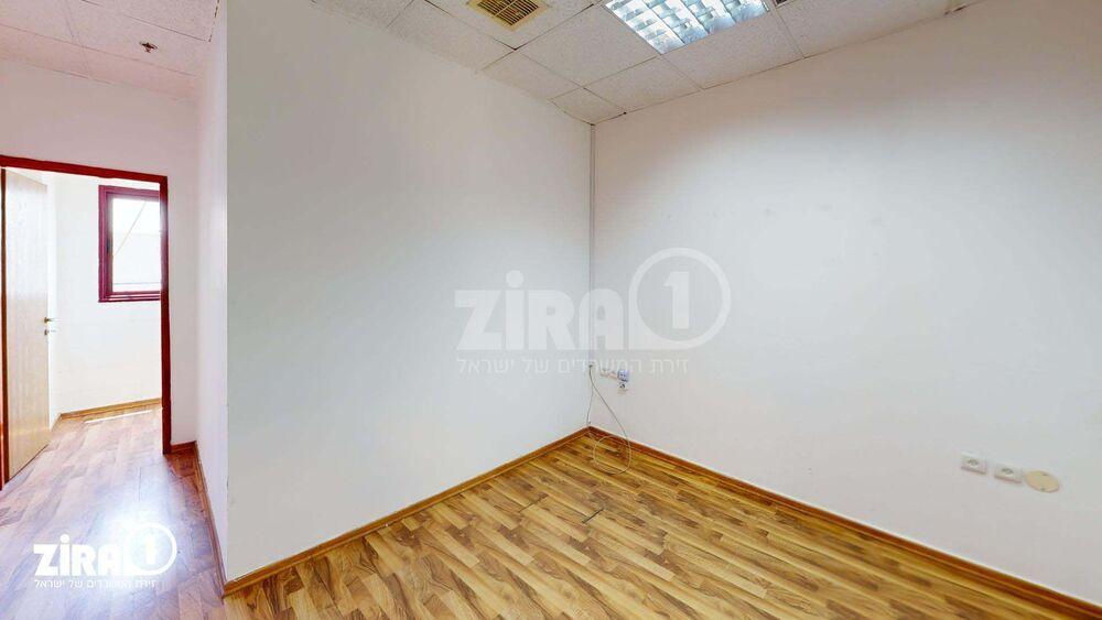 משרד בבניין בית היוצר | קומה 3 | שטח 42מ״ר  | תמונה #0 - 1