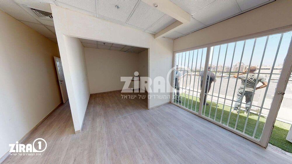 משרד בבניין בית היוצר | קומה: 3 | שטח 66 תמונה | מ׳׳ר #12 - 1