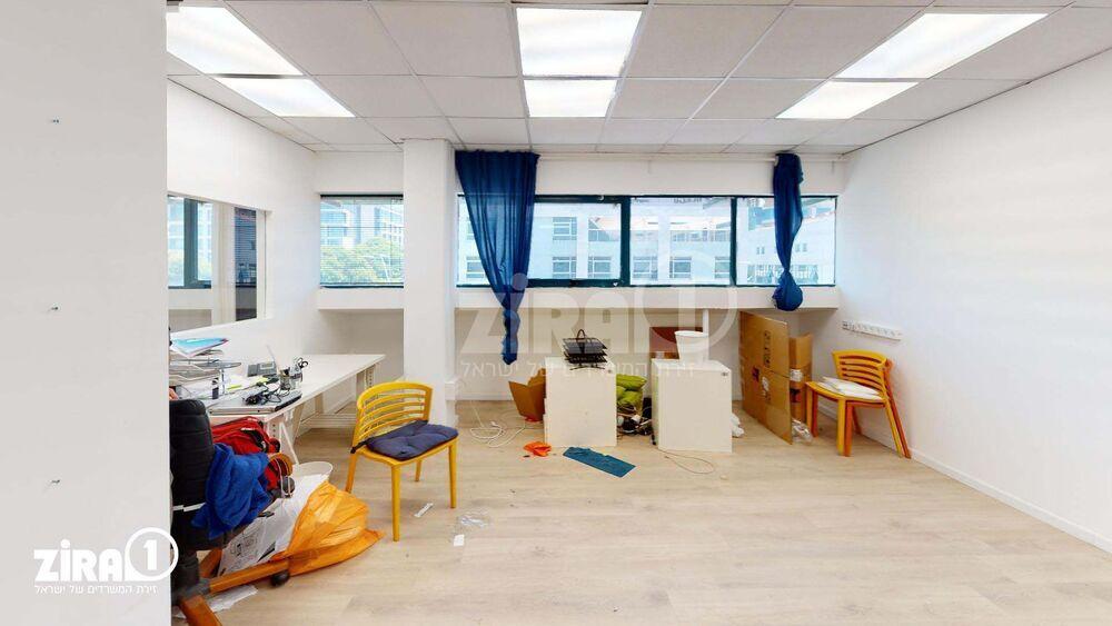 משרד בבניין בית אוריון | קומה 3 | שטח 57מ״ר  | תמונה #0 - 1