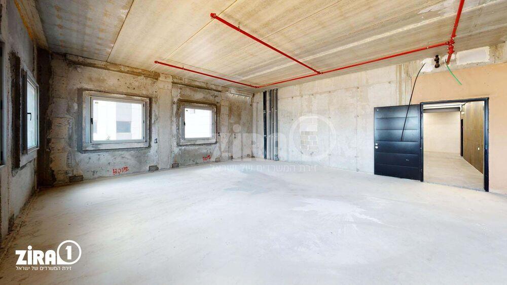 משרד בבניין בית שירה | קומה: 3 | שטח 120 תמונה | מ׳׳ר #0 - 1
