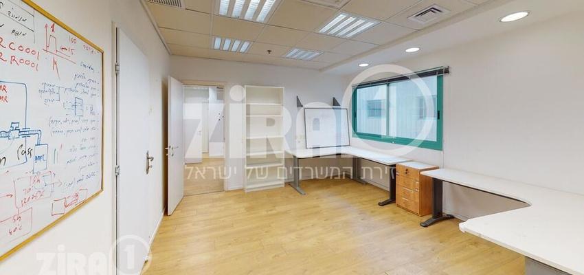 משרד בבניין הנגר 3   קומה 1   שטח 270מ״ר    תמונה #0 - 1