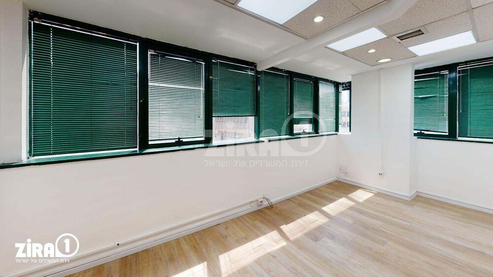 משרד בבניין בית יעקב | קומה 3 | שטח 95מ״ר  | תמונה #0 - 1