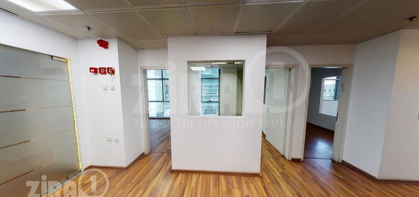 משרד בבניין בית אמפא  - תל אביב   קומה 3   שטח 200מ״ר    תמונה #0 - 1