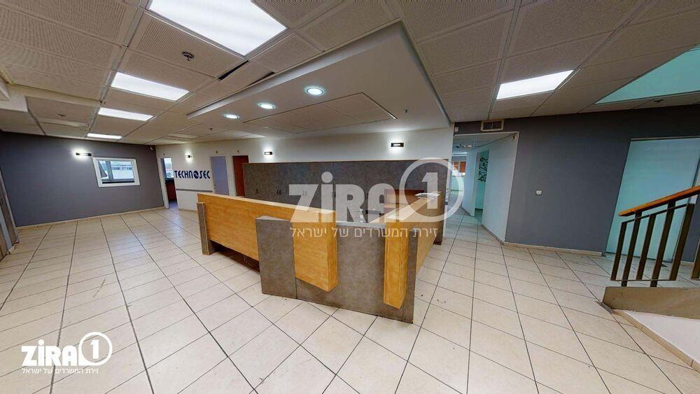 משרד בבניין בית הלמן    קומה 3   שטח 710מ״ר    תמונה #0 - 1