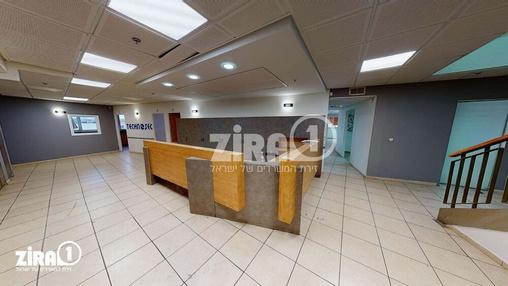 משרד בבניין בית הלמן  | קומה 3 | שטח 710מ״ר  | תמונה #8 - 1