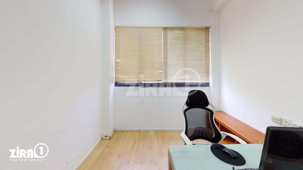 משרד בבניין בית אקסודוס | קומה 2 | שטח 12מ״ר  | תמונה #0 - 1