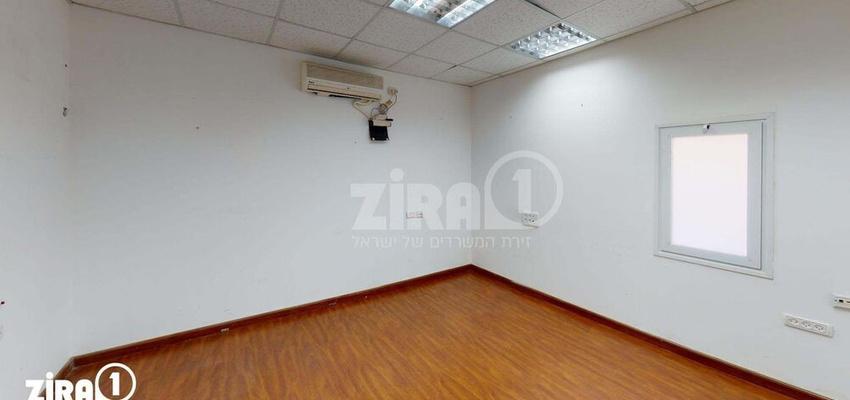 משרד בבניין מרכז שטנר | קומה 2 | שטח 18מ״ר  | תמונה #0 - 1