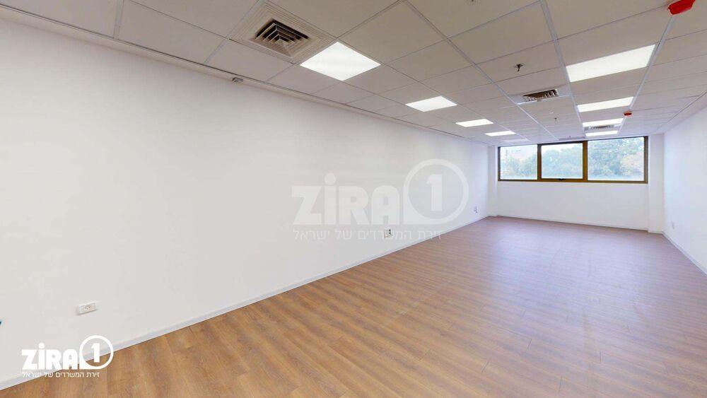 משרד בבניין הרץ היינריך 3 | קומה 3 | שטח 64מ״ר  | תמונה #0 - 1