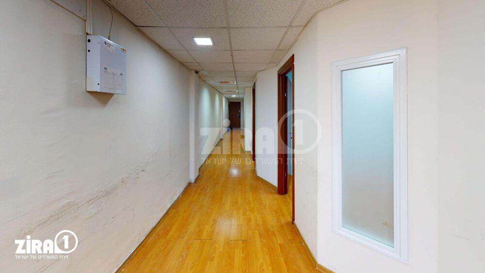 משרד בבניין מרכז שטנר | קומה: 2 | שטח 85 תמונה | מ׳׳ר #9 - 1