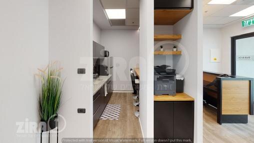 משרד בבניין בניין רקיע | קומה 3 | שטח 15מ״ר  | תמונה #0 - 1