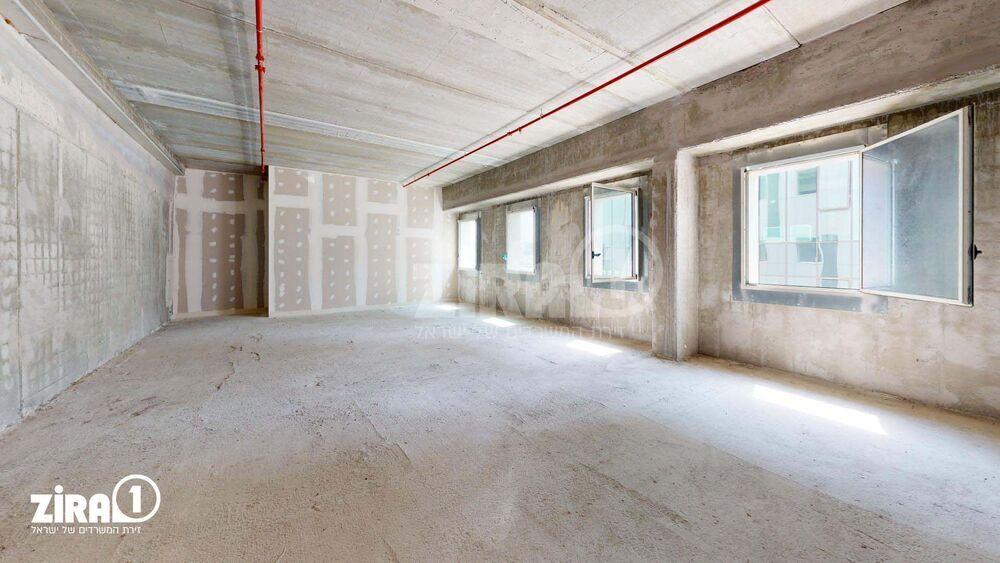 משרד בבניין בניין רקיע | קומה: 3 | שטח 131 תמונה | מ׳׳ר #8 - 1