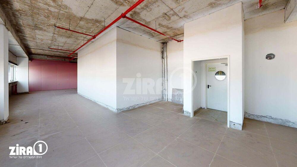 משרד בבניין בית אהרון | קומה 3 | שטח 145מ״ר  | תמונה #0 - 1
