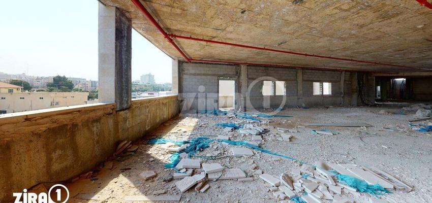 משרד בבניין שערי קאסם | קומה 3 | שטח 1670מ״ר  | תמונה #0 - 1