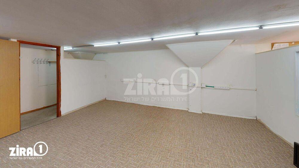 משרד בבניין מרכז שטנר | קומה: 3 | שטח 45 תמונה | מ׳׳ר #4 - 1