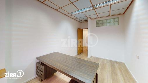 משרד בבניין בית זילברמינץ | קומה 3 | שטח 64מ״ר  | תמונה #2 - 1