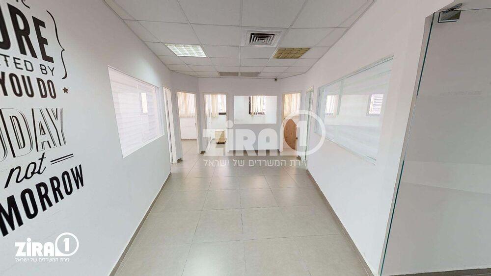 משרד בבניין בית מרדכי נתן | קומה: 3 | שטח 100 תמונה | מ׳׳ר #10 - 1