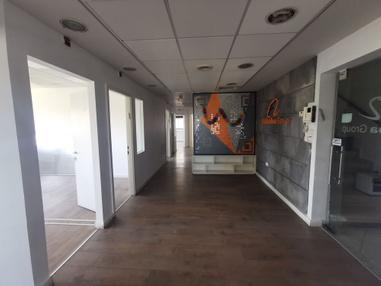 משרד בבניין הכשרת הישוב  | קומה 3 | שטח 195מ״ר  | תמונה #0 - 1