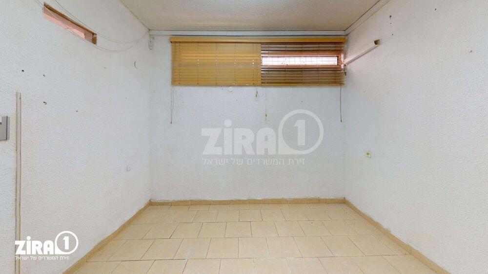 משרד בבניין בניין האגודה | קומה: 3 | שטח 40 תמונה | מ׳׳ר #3 - 1
