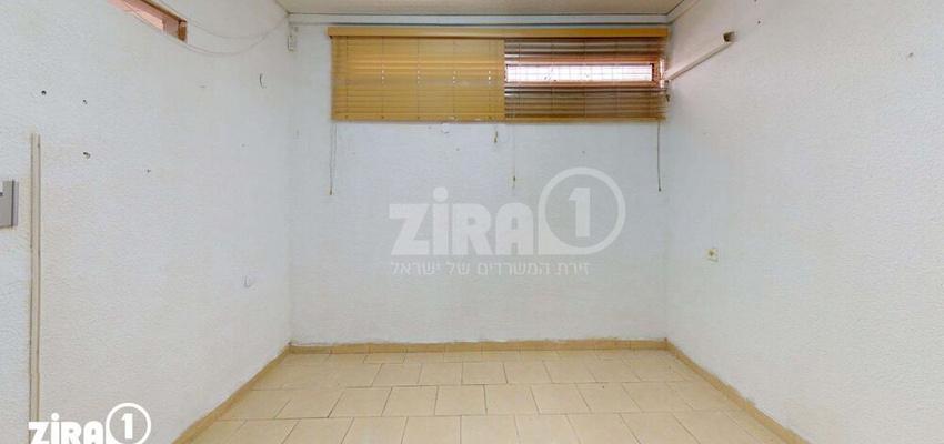 משרד בבניין בניין האגודה   קומה 3   שטח 40מ״ר    תמונה #0 - 1