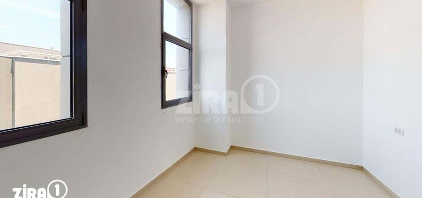 משרד בבניין סנטר A | קומה 1 | שטח 45מ״ר  | תמונה #0 - 1
