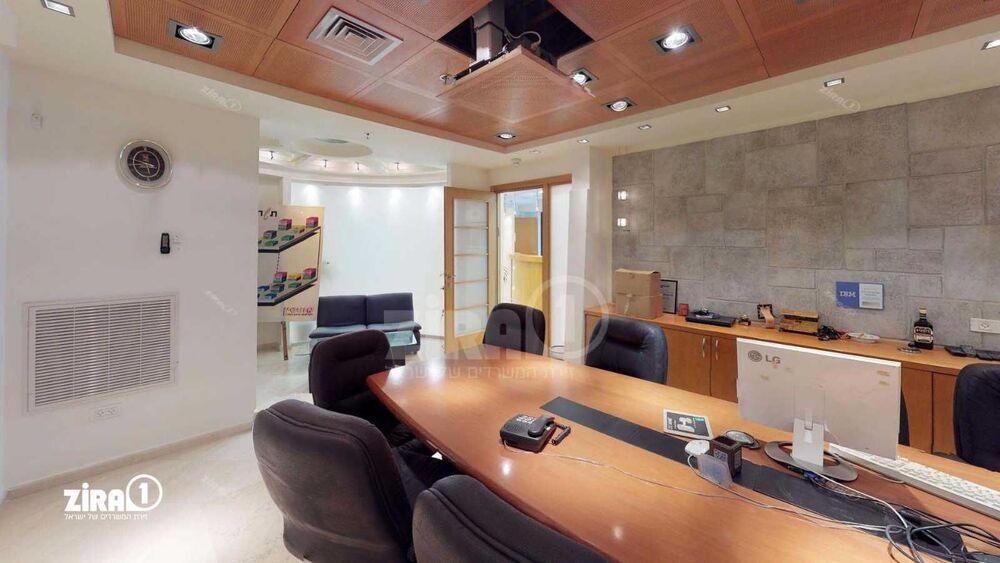 משרד בבניין בית אלי מאיר | קומה: 3 | שטח 430 תמונה | מ׳׳ר #2 - 1