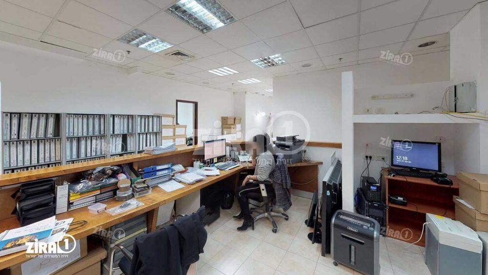 משרד בבניין בית בלטק | קומה 4 | שטח 400מ״ר  | תמונה #0 - 1