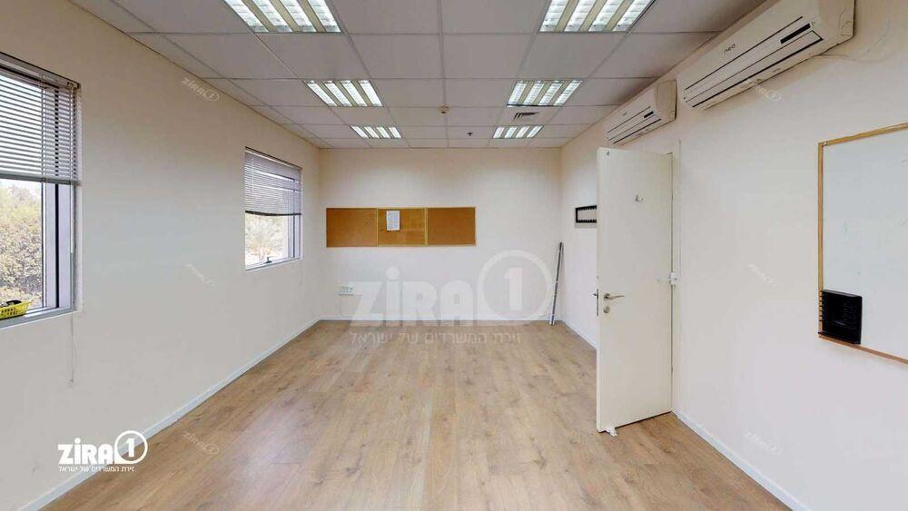 משרד בבניין ליגד סנטר 1 | קומה 2 | שטח 2300מ״ר  | תמונה #0 - 1