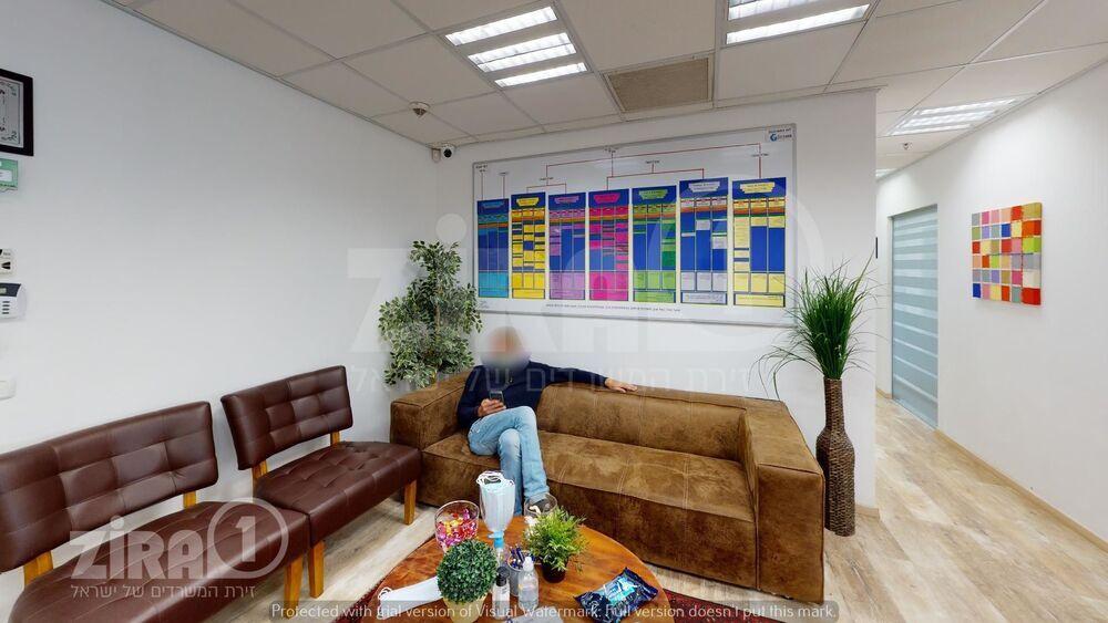 משרד בבניין מרכז אלרוד   קומה 3   שטח 140מ״ר    תמונה #0 - 1