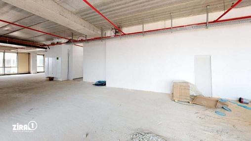 משרד בבניין בית שירה   קומה 0   שטח 220מ״ר    תמונה #14 - 1