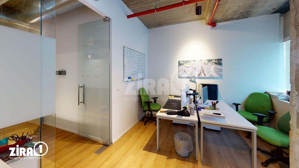 משרד בבניין בית שרבט   קומה: 10   שטח 167 תמונה   מ׳׳ר #7 - 1