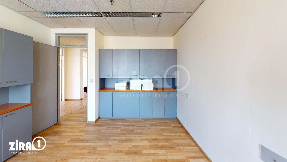 משרד בבניין בית שרבט | קומה: 12 | שטח 200 תמונה | מ׳׳ר #14 - 1