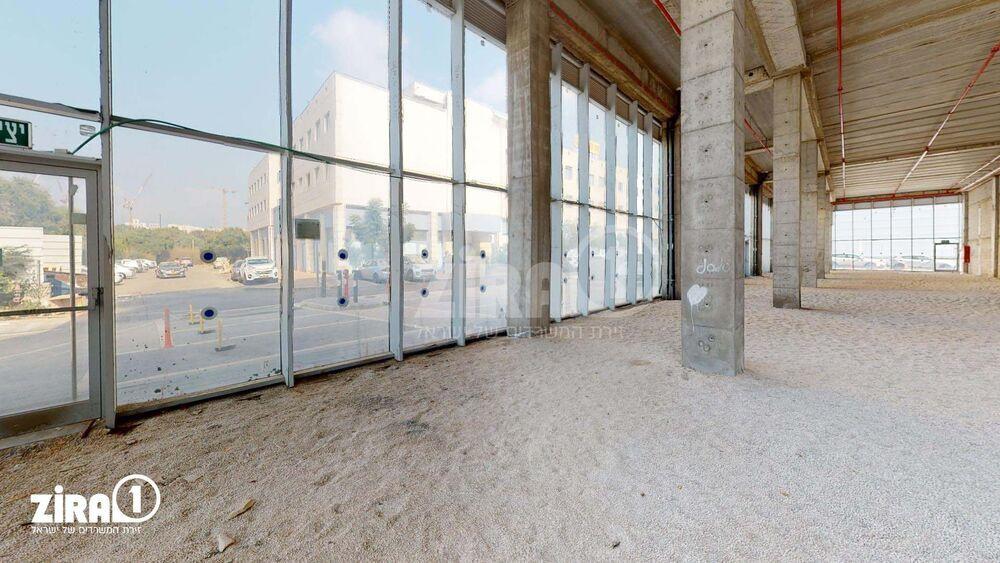 משרד בבניין הגביש 4 | קומה: 0 | שטח 1600 תמונה | מ׳׳ר #0 - 1