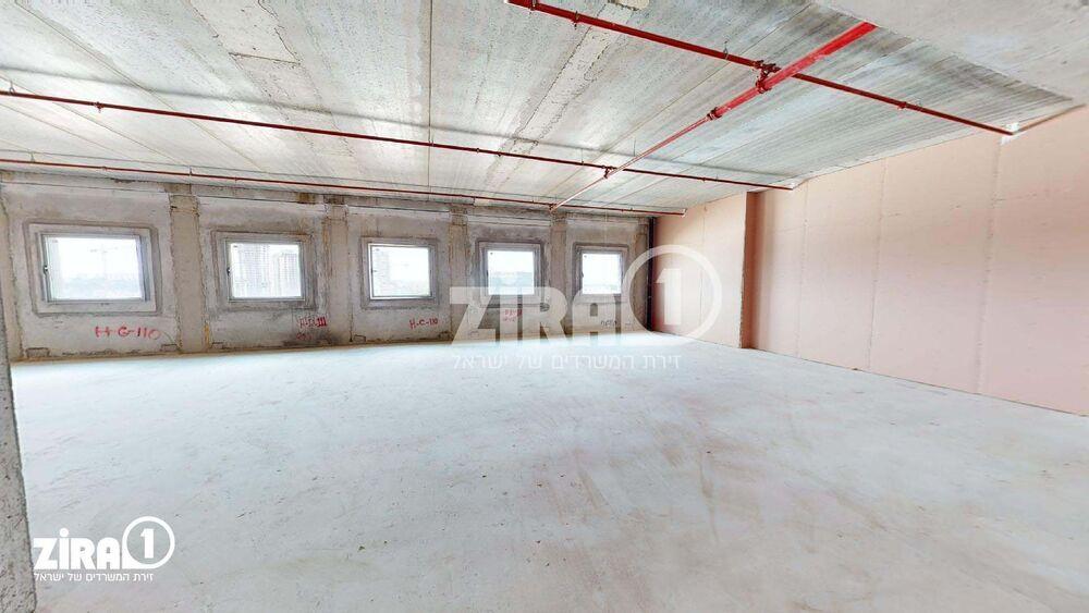 משרד בבניין בית שירה   קומה 4   שטח 254מ״ר    תמונה #0 - 1