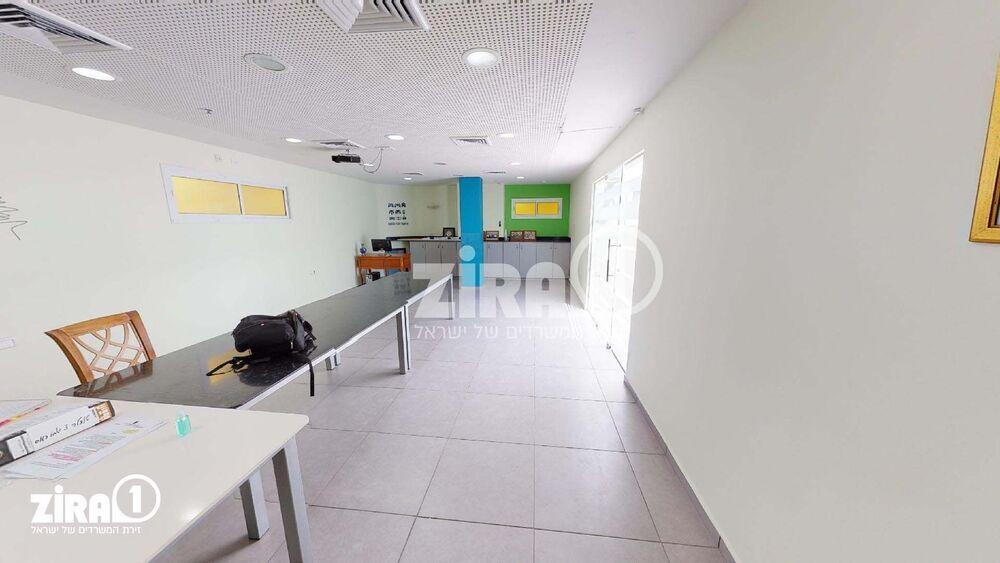 משרד בבניין מבוא גרופית 4   קומה: 1   שטח 60 תמונה   מ׳׳ר #23 - 1
