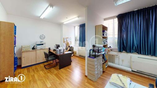 משרד בבניין בית קומבה | קומה 1 | שטח 700מ״ר  | תמונה #17 - 1