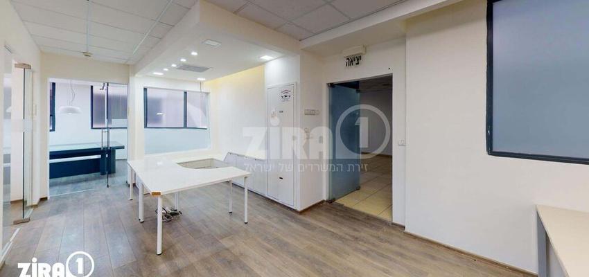 משרד בבניין בניין שטרן   קומה 4   שטח 200מ״ר    תמונה #0 - 1
