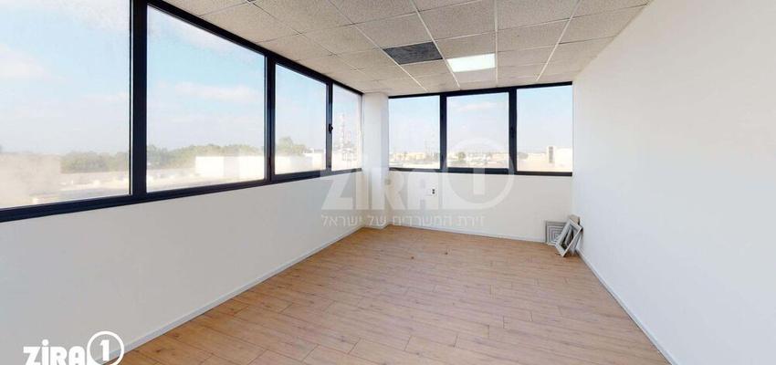 משרד בבניין בית אמיר  | קומה 4 | שטח 70מ״ר  | תמונה #0 - 1