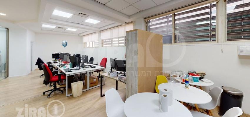 משרד בבניין הרקון 4 | קומה 2 | שטח 120מ״ר  | תמונה #0 - 1