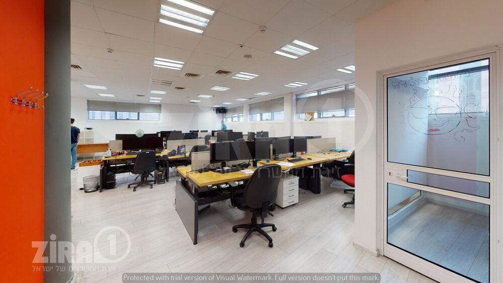 משרד בבניין הרקון 4 | קומה 2 | שטח 210מ״ר  | תמונה #0 - 1