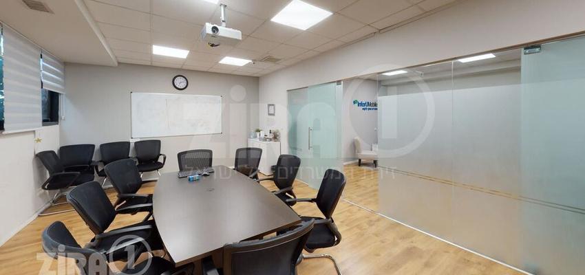 משרד בבניין בית מרדכי נתן   קומה 2   שטח 65מ״ר    תמונה #0 - 1
