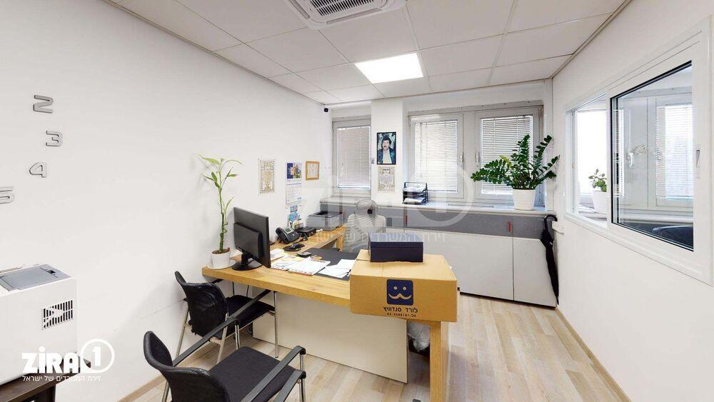 משרד בבניין ראשון ביזנס סנטר | קומה: 4 | שטח 78 תמונה | מ׳׳ר #8 - 1