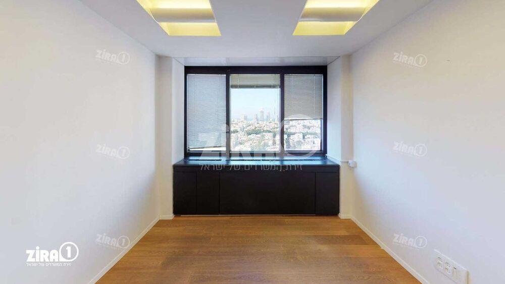 משרד בבניין REIT 1  המגדל - דניאל פריש | קומה 13 | שטח 215מ״ר  | תמונה #0 - 1