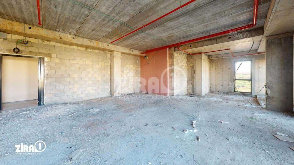 משרד בבניין K-CENTER | קומה 3 | שטח 204מ״ר  | תמונה #0 - 1