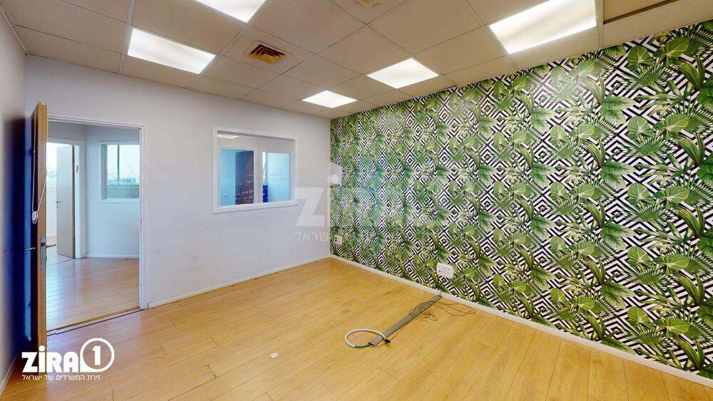 משרד בבניין החרושת 5 | קומה 2 | שטח 178מ״ר  | תמונה #0 - 1